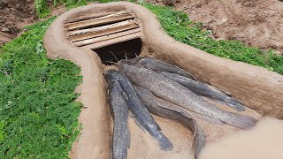 Easy Trap Fishing Methods | Build Unique Primitive Fish Trapping Tool Using That Work 100%