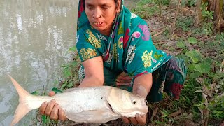 Catching Big Fish By Cast Net - Fish Catching With A Cast Net By Village Aunty